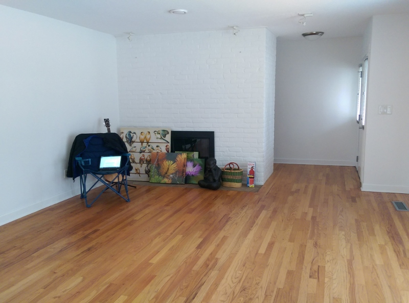 Blog - empty living room at new house (800x594)